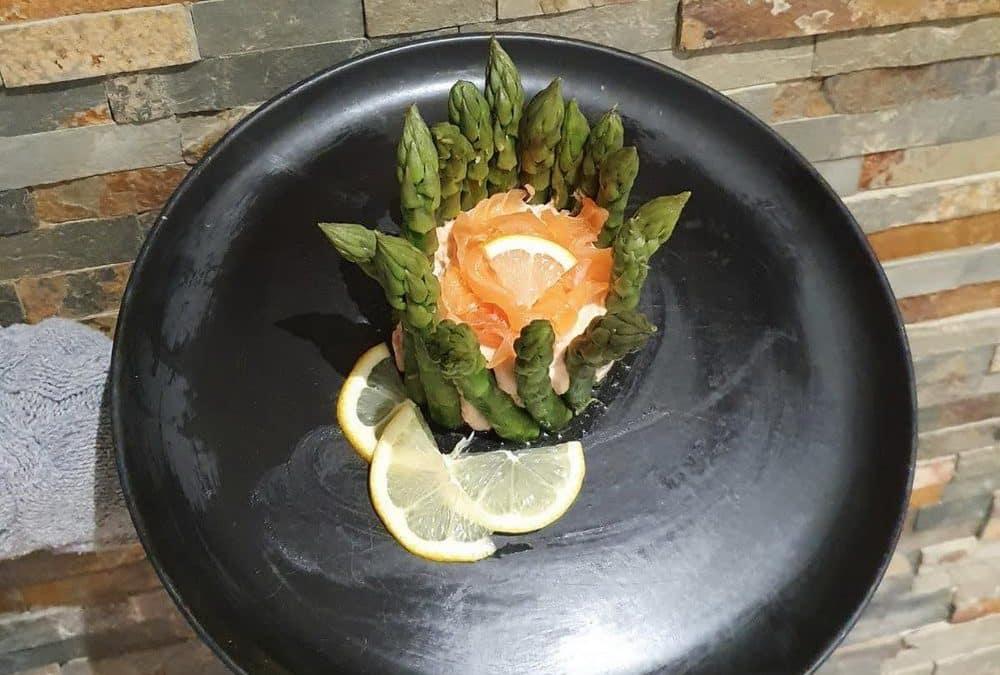 Charlotte aux deux saumons et asperges