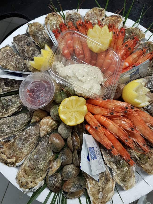 Photo d'un plateau de fruits de mer de la poissonnerie de Lavaur.